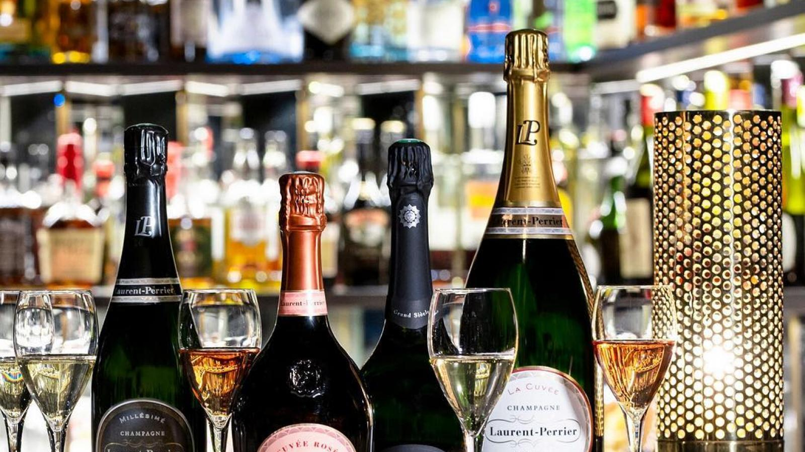 Enjoy tastings at the Roch Hotel & Spa