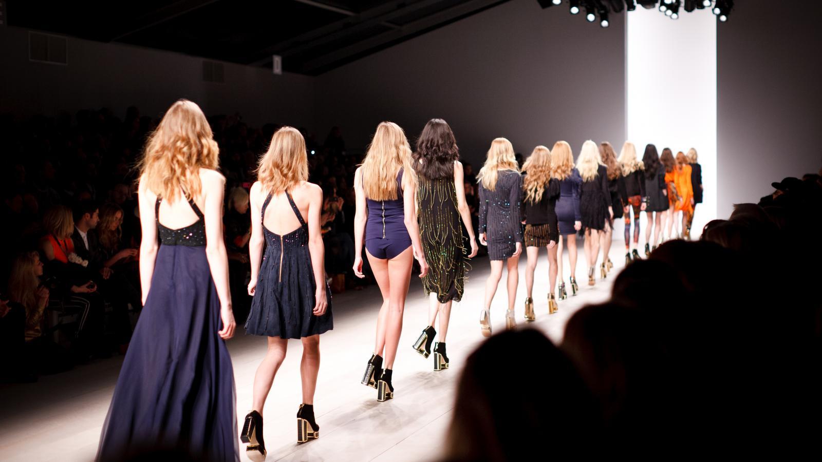 Défilés pour la Fashion Week de Paris