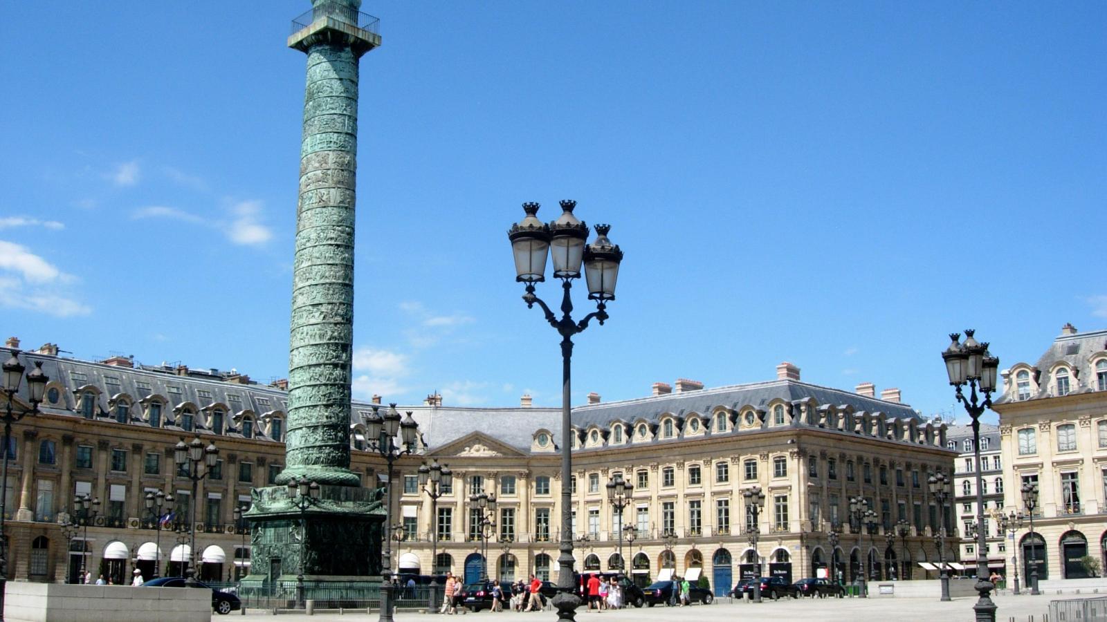 Presenting – Paris at Christmas