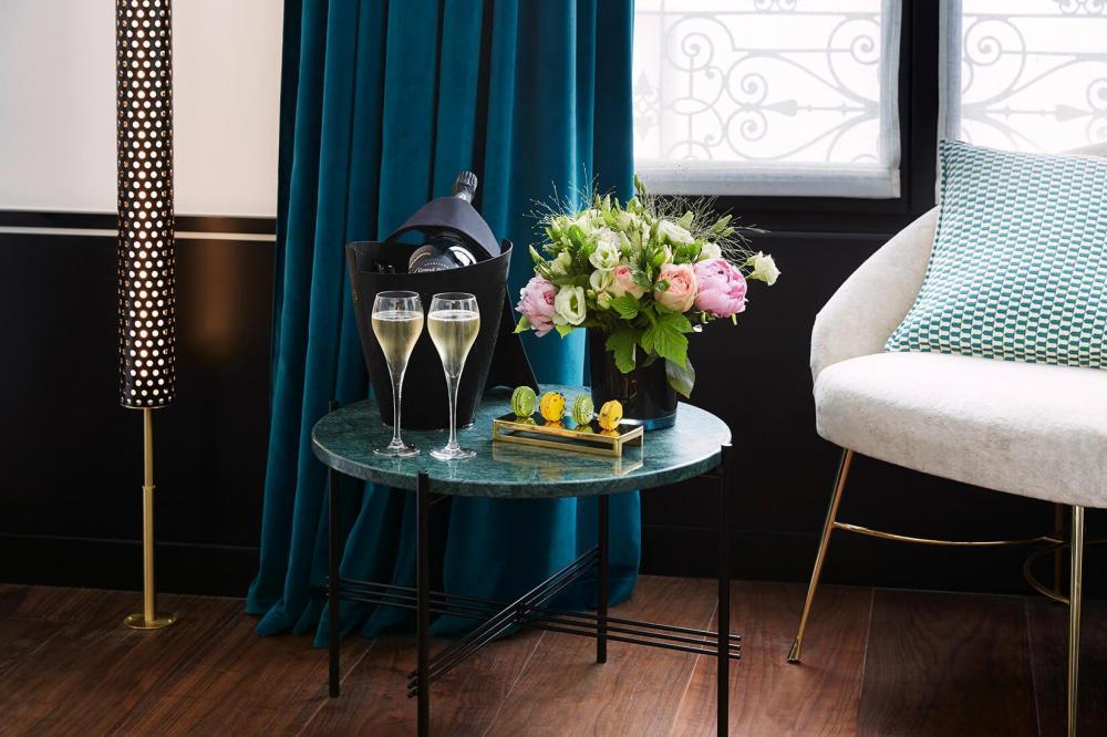 Le Roch Hotel & Spa - Champagne et macarons en chambre